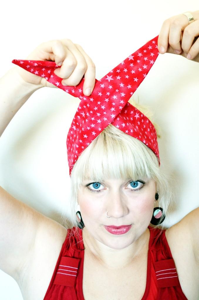 Step one - rockabilly headband knot